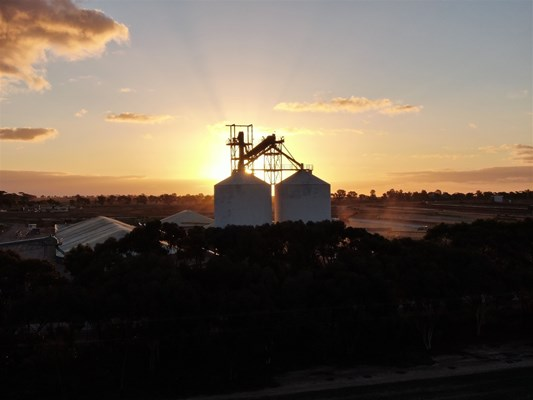 Sky Works Pics - Dally Wheatbins