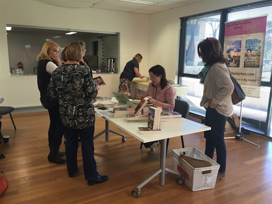 Rachael Johns Library Visit 2015 - Book signing